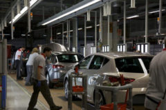 Línea de montaje del Seat León en la planta de Seat Martorell.