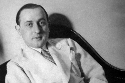 El poeta y crítico literario Guillermo de Torre en una foto de 1928.