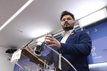 El diputado de ERC Gabriel Rufián, en rueda de prensa en el Congreso.