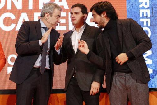 Luis Garicano, Albert Rivera y Toni Roldán, en un acto de Ciudadanos,...