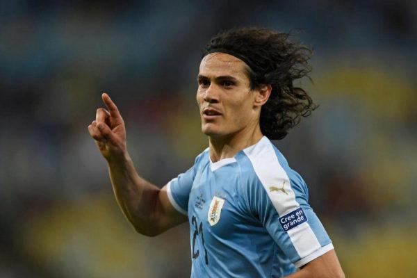 Cavani celebra su gol ante Chile en la Copa América