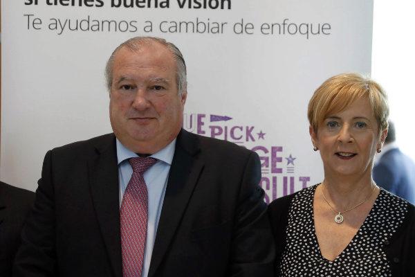 La consejera de Desarrollo Económico, Arantxa Tapia, junto al presidente de Confebask.