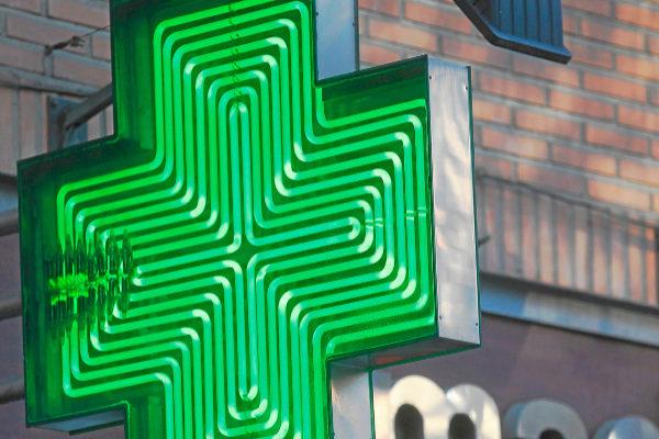 El luminoso de una farmacia de Madrid.