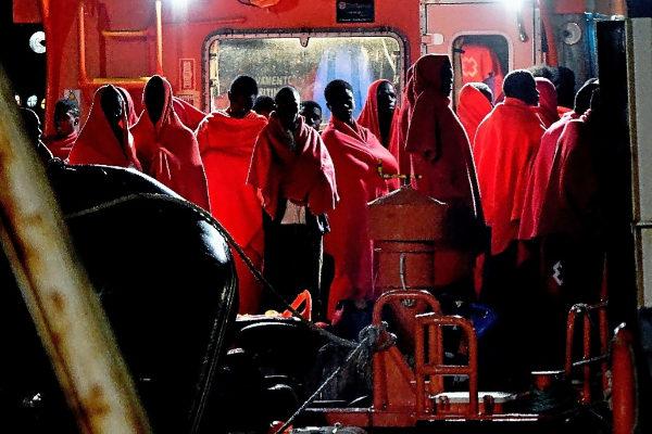 Llegada el puerto de Almería de los 63 inmigrantes rescatados el...