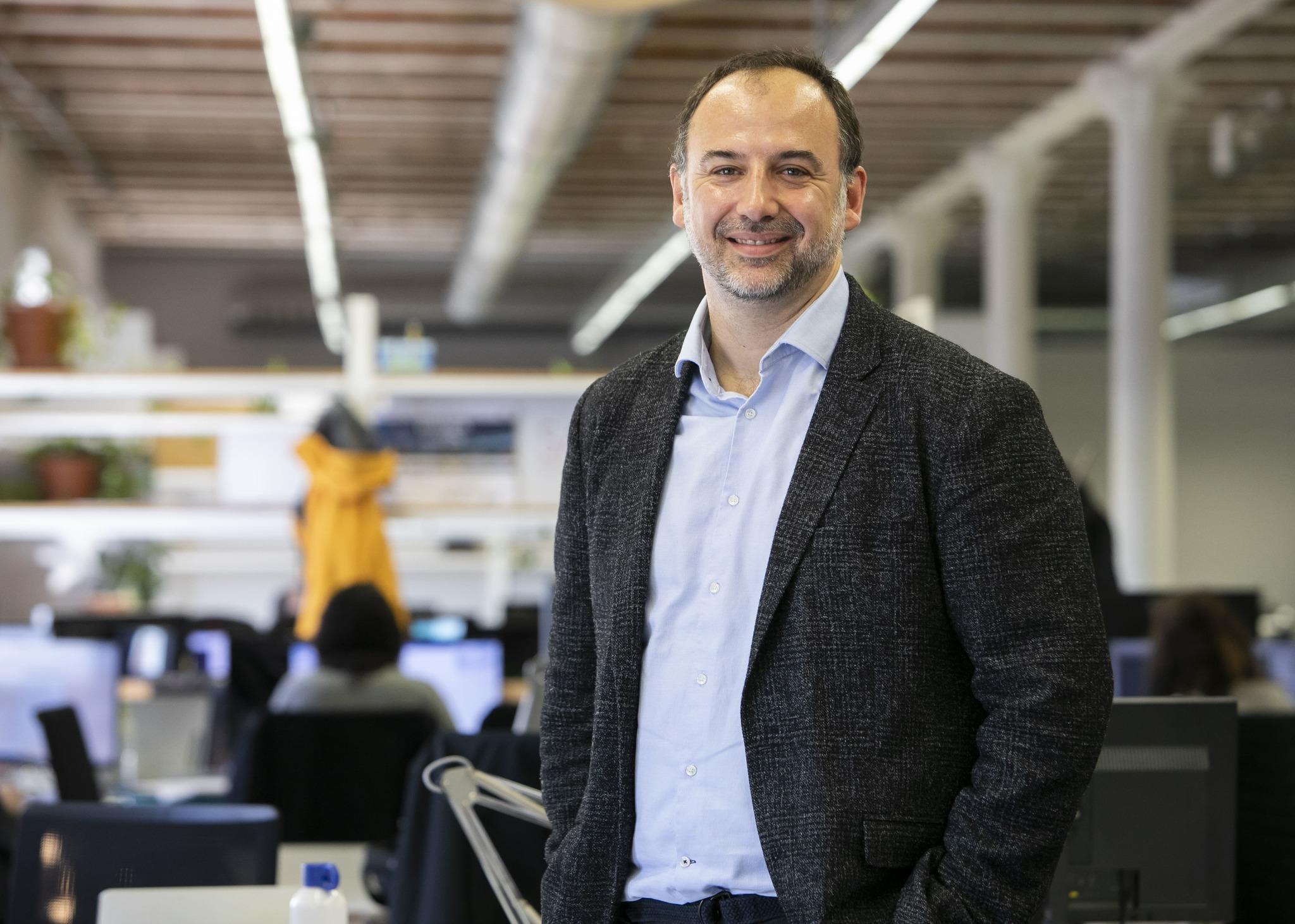 El director de The Collider, Oscar Sala, en la sede del venture builder de la Fundación Mobile World Capital Barcelona.
