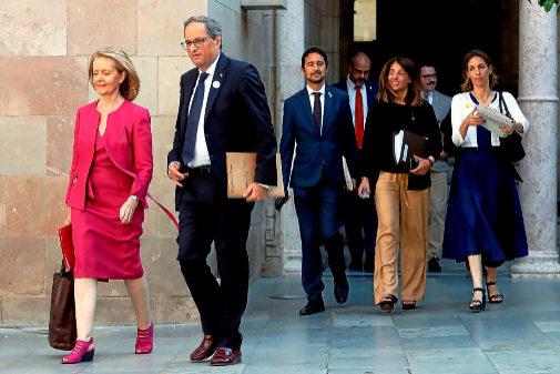 Quim Torra junto a miembros de su Gabinete en la reunión semanal del...