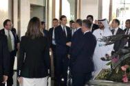 Jared Kushner y Steven Mnuchin a su llegada a Manama, para la cumbre de Bahrein.