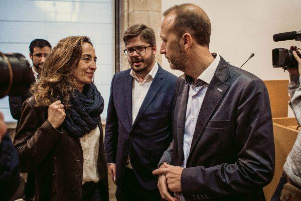 La todavía eurodiputada Carolina Punset, con su marido, el ex diputado Alexis Marí, junto al responsable de Organización de Ciudadanos.