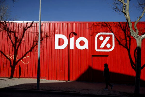 Edificio de la cadena de supermecados Dia en Madrid.