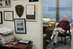 El periodista Seymour Hersh, en su despacho de Washington, en una imagen de 2018.