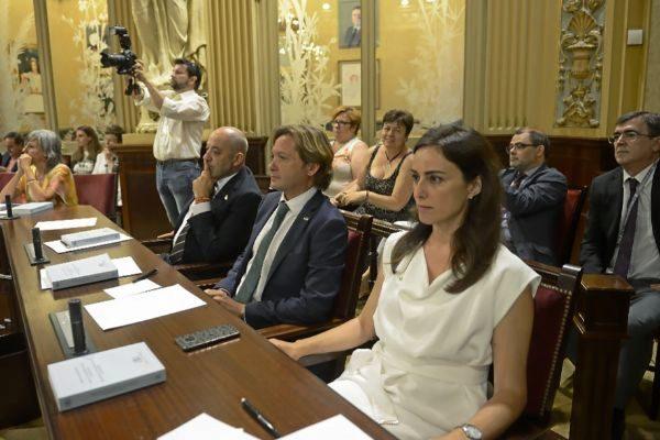 Jorge Campos junto a Sergio Rodríguez e Idoia Ribas, la semana pasada en la sesión constitutiva del Parlament balear.