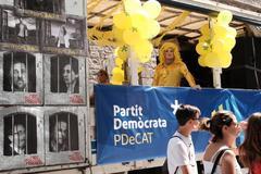 Carroza del desfile del año pasado con motivos políticos como la prisión de líderes soberanistas