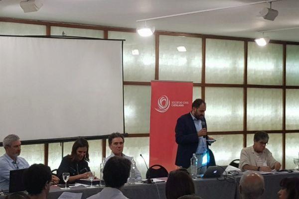 Imagen de la presentación de la candidatura durante la asamblea