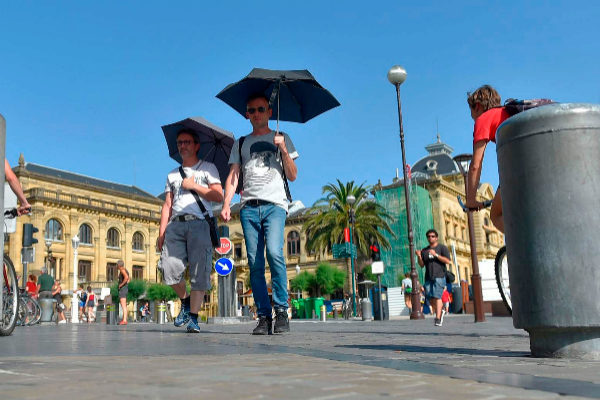 Segundo día de ola de calor y huelga de piscinas en Bizkaia