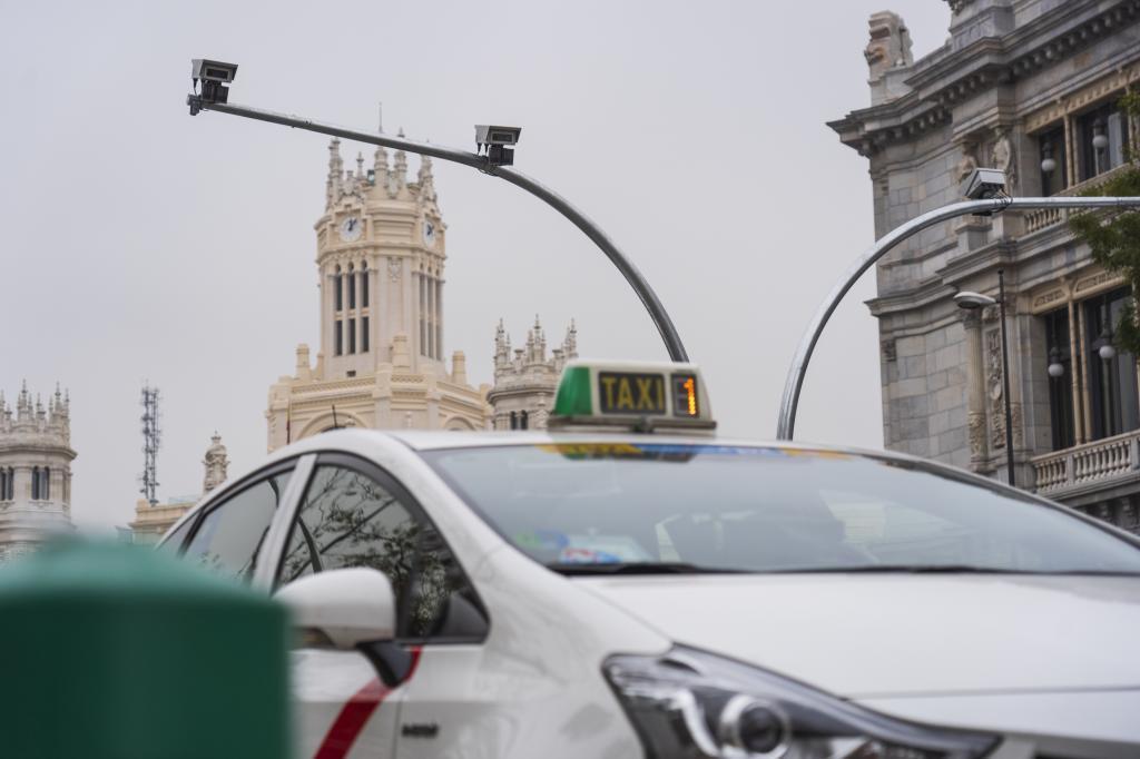 Cámaras vigilan la entrada a Madrid Central.