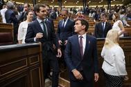 Pablo Casado, junto a Albert Rivera, en el homenaje del Congreso a las víctimas del terrorismo.