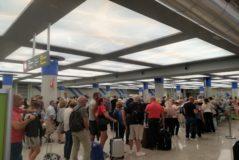 Control donde un guardia civil retuvo a una empleada del aeropuerto de Palma por hablar catalán.