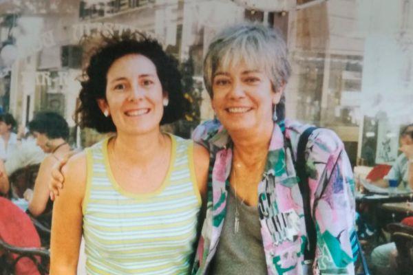 Iolanda Madariaga junto a María José Ragué-Arias.