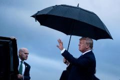 Trump llega a Japón