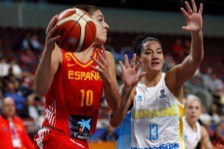 La campeona impone en su debut en el Eurobasket