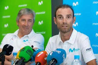 GRAF5315. MURCIA.- El ciclista del equipo Movistar <HIT>Alejandro</HIT> <HIT>Valverde</HIT> (d), junto al mánager general del equipo,Eusebio Unzue (i), durante la rueda de prensa que han ofrecido esta tarde en Murcia con motivo de los Campeonatos de España de Ciclismo, que se celebran este fin de semana en la Región de Murcia.