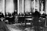 Firma del Tratado de Versalles, en el Salón de los Espejos del palacio de Versalles.