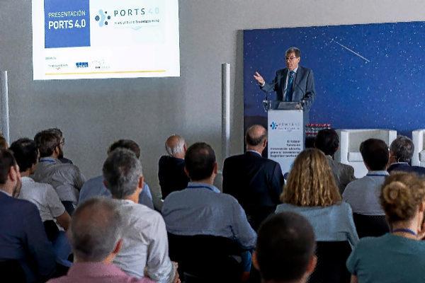 Aurelio Martínez, presidente de la Autoridad Portuaria de Valencia, durante la presentación en la sede de Insomnia, del proyecto Ports 4.0.