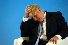 """Boris Johnson llamó """"mierdas"""" a los franceses pero la frase fue cortada"""