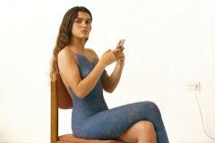 Amaia anuncia disco y gira cubierta por un 'body painting'