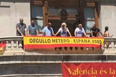 Pancarta desplegada por España 2000