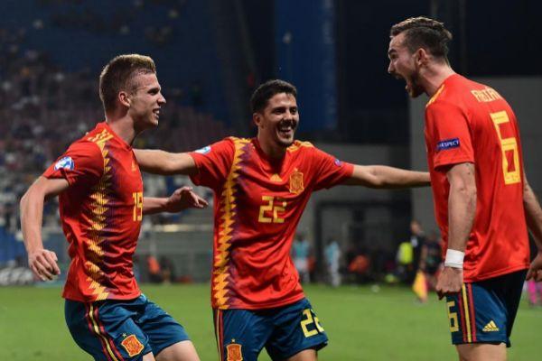 Olmo, Fornals y Fabián, en el triunfo contra Francia en semifinales.