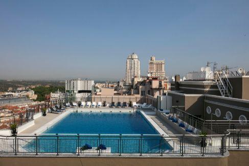 Estas son las mejores piscinas para sobrevivir a la ola de calor