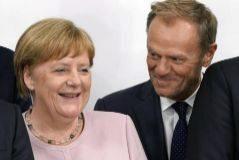 Angela Merkel junto a Donald Tusk, en la reunión del G-20, en Osaka.