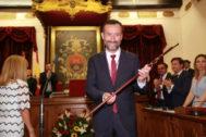 El alcalde de Elche, Carlos González, tras ser investido alcalde el pasado 15 de junio.