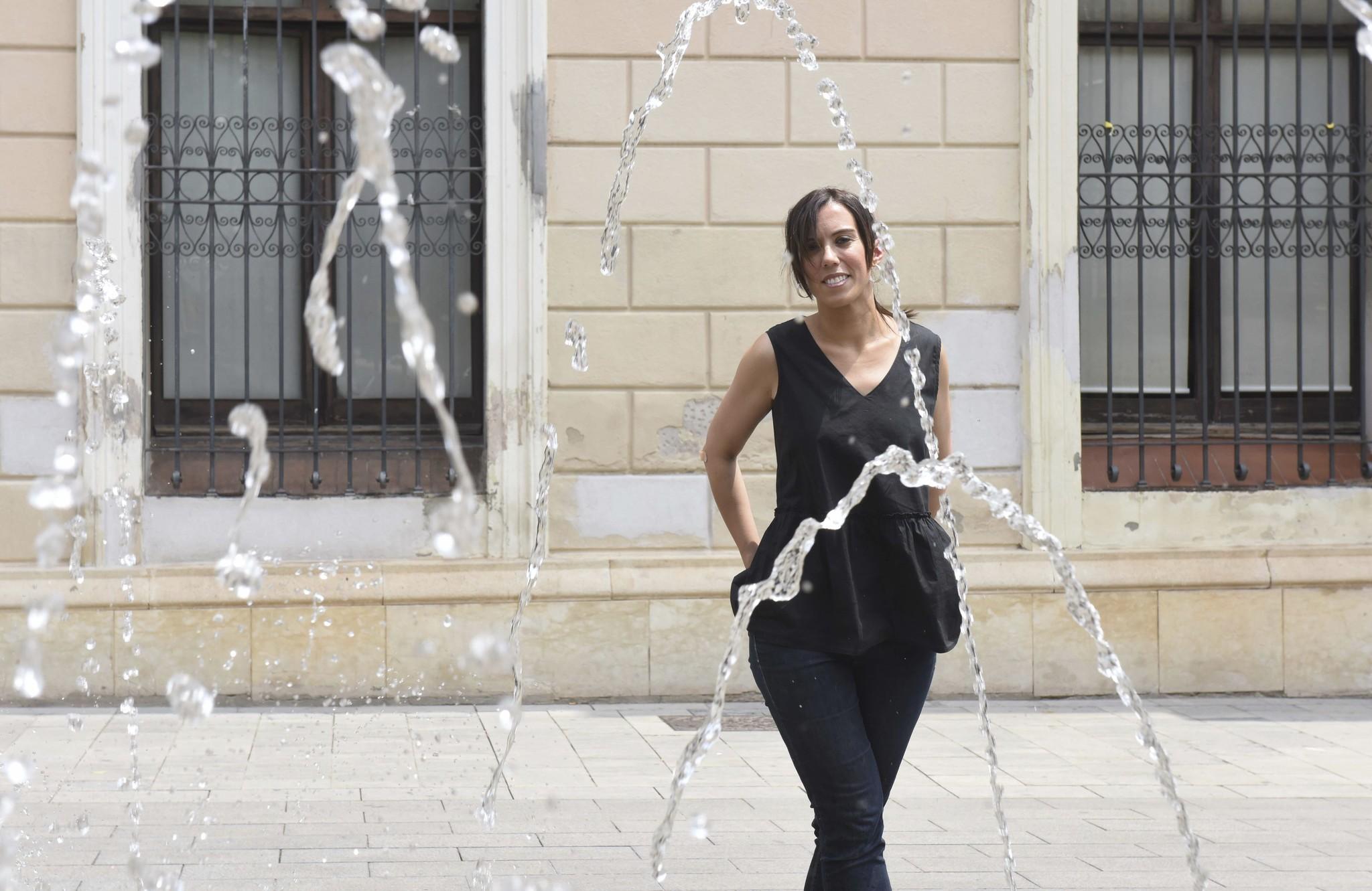 La alcaldesa de Sabadell, Marta Farrés, ante el Ayuntamiento.