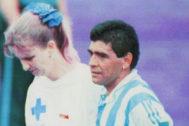 Maradona, tras el partido ante Nigeria acude al control antidopaje.