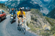 ///////NO UTILIZAR SIN CONSULTAR CON FOTOGRAFÍA/////// Overall leader's yellow jersey Belgian rider Eddy <HIT>Merckx</HIT> competes in the seventeenth stage of the 1969 Tour de France cycling race between Luchon and Mourenx, on July 15, 1969. <HIT>Merckx</HIT> won that stage. PRESSE SPORTS / AFP