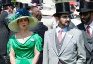 La princesa Haya, junto a su marido, el emir de Dubai, en las carreras de Ascot, en 2010.