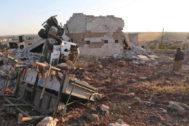 Escena de un bombardeo del régimen sirio en Kafranbel (provincia de Idlib), en una imagen de mayo
