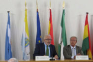 El rector Sánchez Maldonado y el consejero Rogelio Velasco en La Rábida.