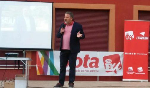 Gabriel Tomás, durante un acto de campaña de las últimas municipales, con Esquerra Unida.