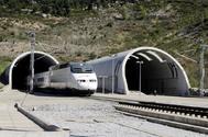 Un AVE de Renfe atravesando el túnel de Perthur, entre Francia y España.