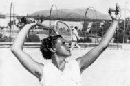 La poeta, deportista y pionera del feminismo Ana María Mtz. Sagi.