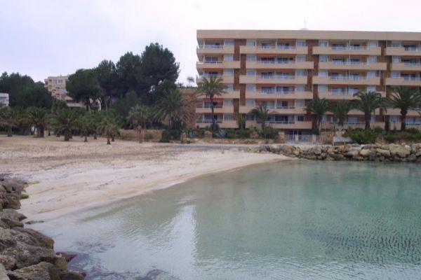 Muere una mujer aplastada por una roca en Mallorca.