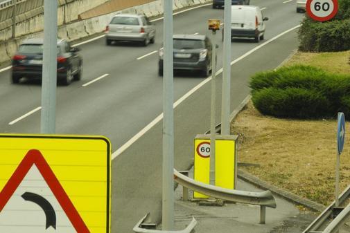 Radares de la DGT en la rotonda de Artaza y en la carretera de al Avanzada de Leioa, en Vizcaia.