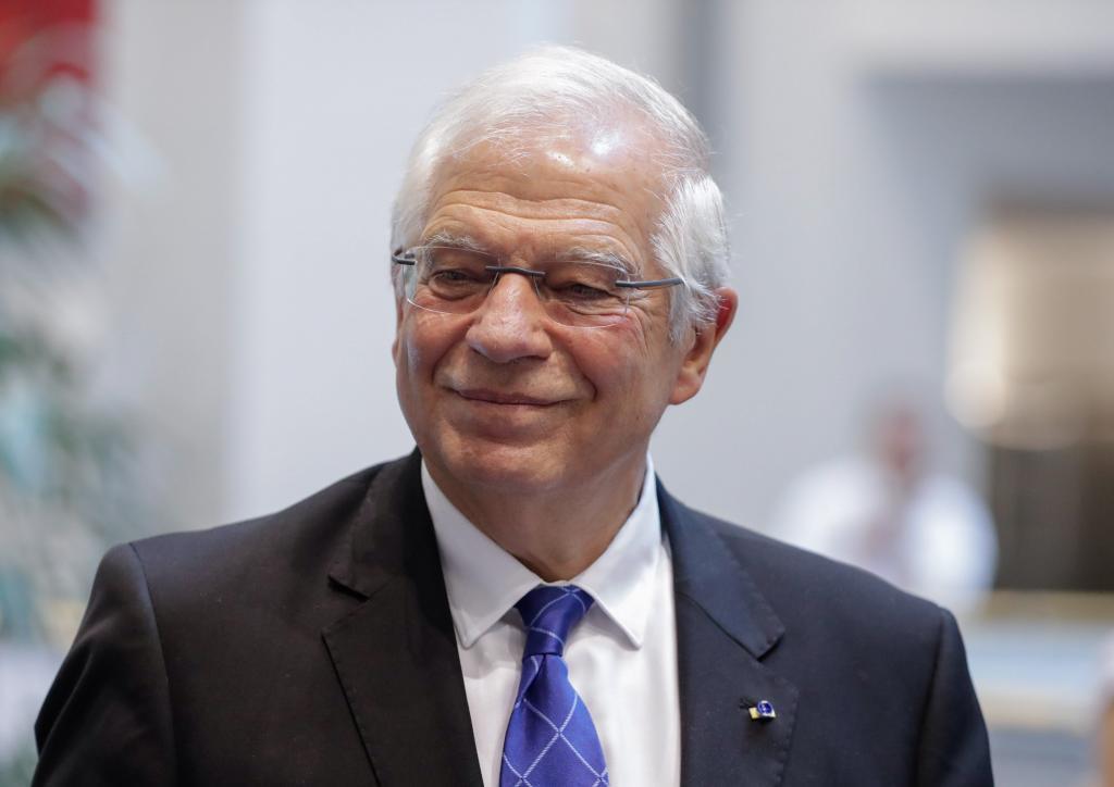 EPA5767. BRUSELAS (BÉLGICA).- El ministro de Asuntos Exteriores, Josep <HIT>Borrell</HIT>, ofrece una rueda de prensa en el Parlamento Europeo, en Bruselas (Bélgica). <HIT>Borrell</HIT> ha renunciado a su acta de diputado del Parlamento Europeo y continuará en su cargo en el Gobierno en funciones de Pedro Sánchez.