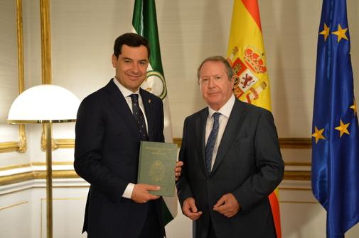 El presidente de la Junta, Juan Manuel Moreno, este martes, con el presidente del Consejo Consultivo, Juan Cano Bueso.