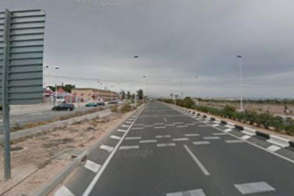 El accidente ha tenido lugar en el kilómetro 57 de la N-332 a su paso por Torrevieja.