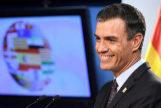 """GRAF7742. BRUSELAS.- El presidente del Gobierno, Pedro Sánchez, en su comparecencia posterior al Consejo Europeo, ha defendido que el acuerdo alcanzado para el reparto de cargos comunitarios es un acuerdo """"muy equilibrado"""" y ha aplaudido que una mujer vaya a presidir por primera vez la Comisión y que el español Josep <HIT>Borrell</HIT> vaya a ocupar un """"puesto vital"""". Pool Moncloa/"""