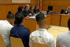 """El fiscal ve  """"abuso""""  en la denuncia de violación grupal a una menor"""